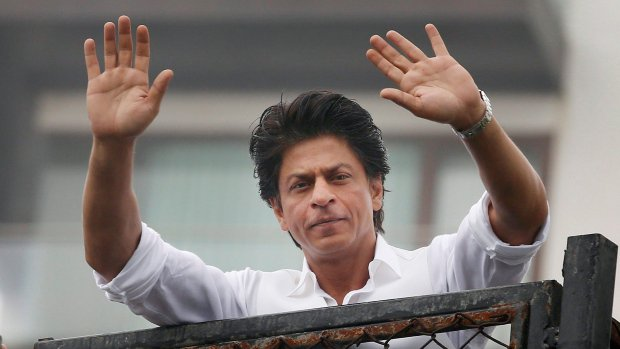 Bollywood's Shah Rukh Khan gets U.S. apology for airport stop