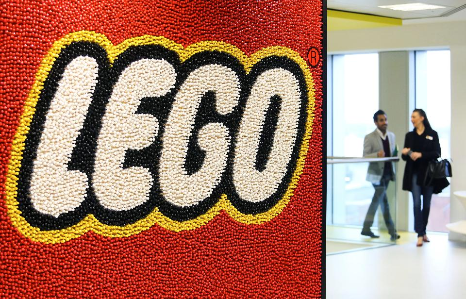 How Lego rebuilt itself as a purposeful and sustainable brand: https://t.co/uqHeQb6k4z https://t.co/USmpKMjTe2