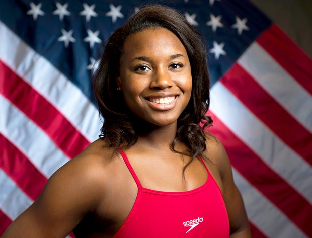 HUGE congrats to #SimoneManuel the first African-American female swimmer to win a gold medal at the #Olympics! https://t.co/vnu3odFG3S