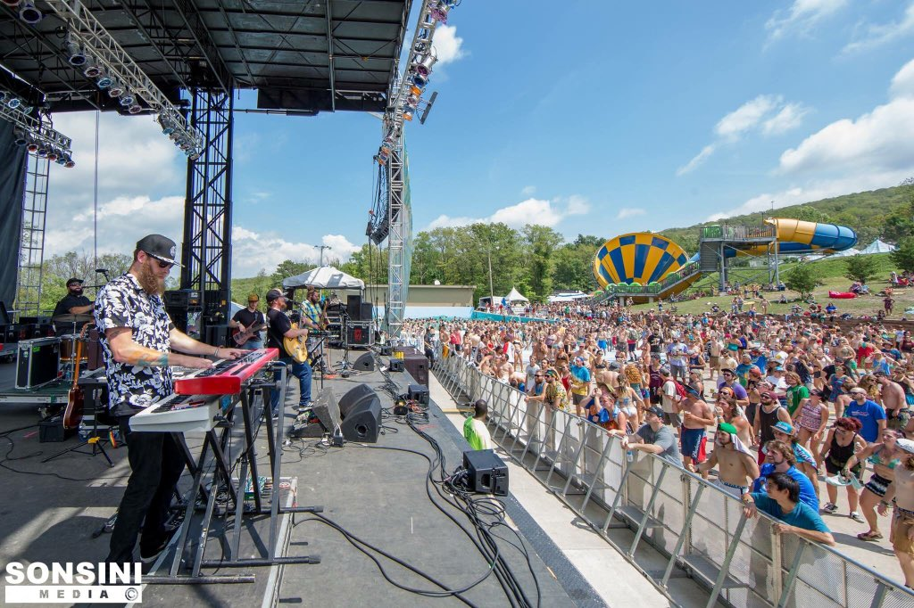 Peach Music Festival 2016 - Friday - The Pavilion at Montage Mountain - Scranton, PA on 8/12 ...