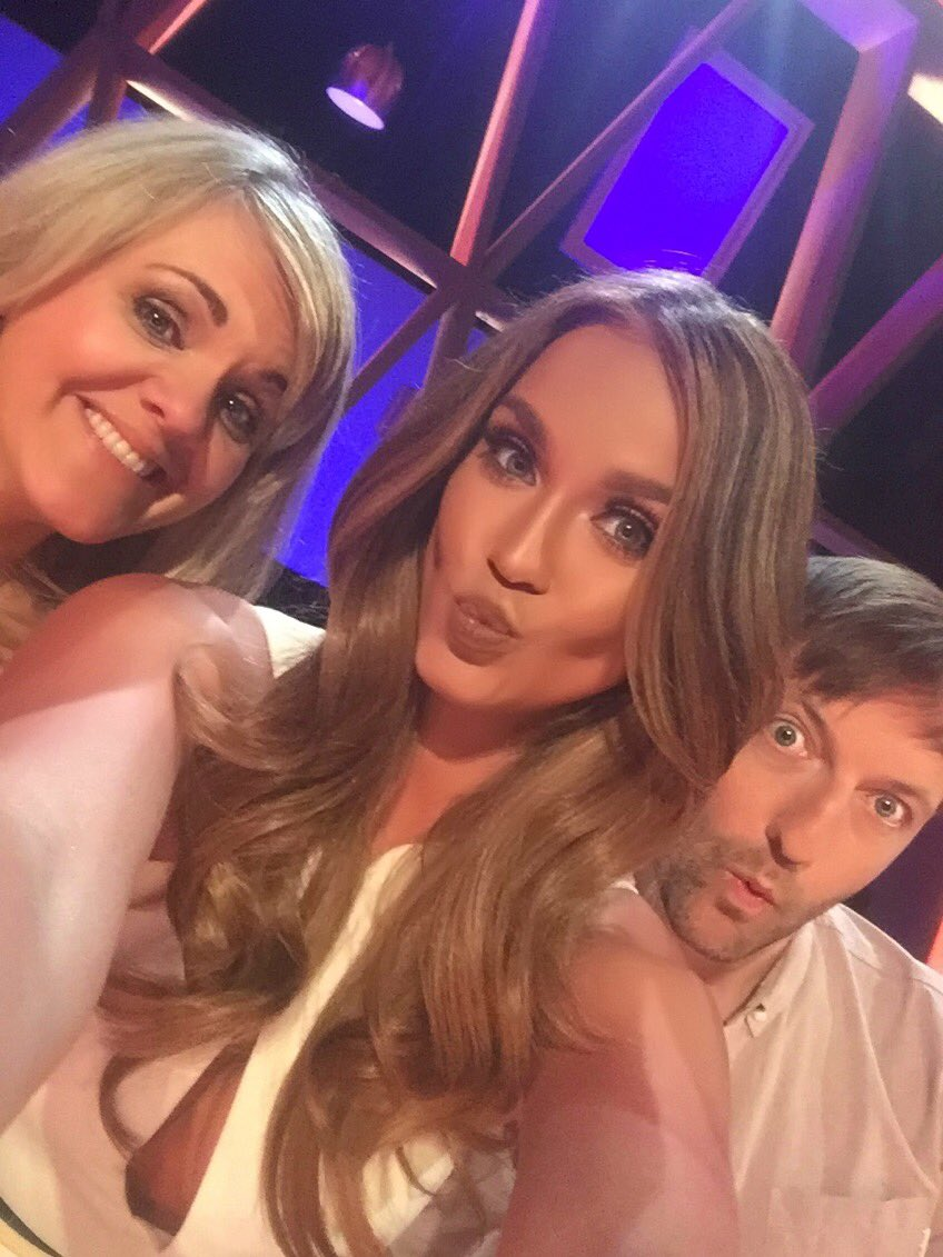 RT @VickyPattison: My team for tonight's @INMIY_UK! It's on between #cbb & the live eviction at 10pm! @sally_lindsay @andrewismaxwell https…