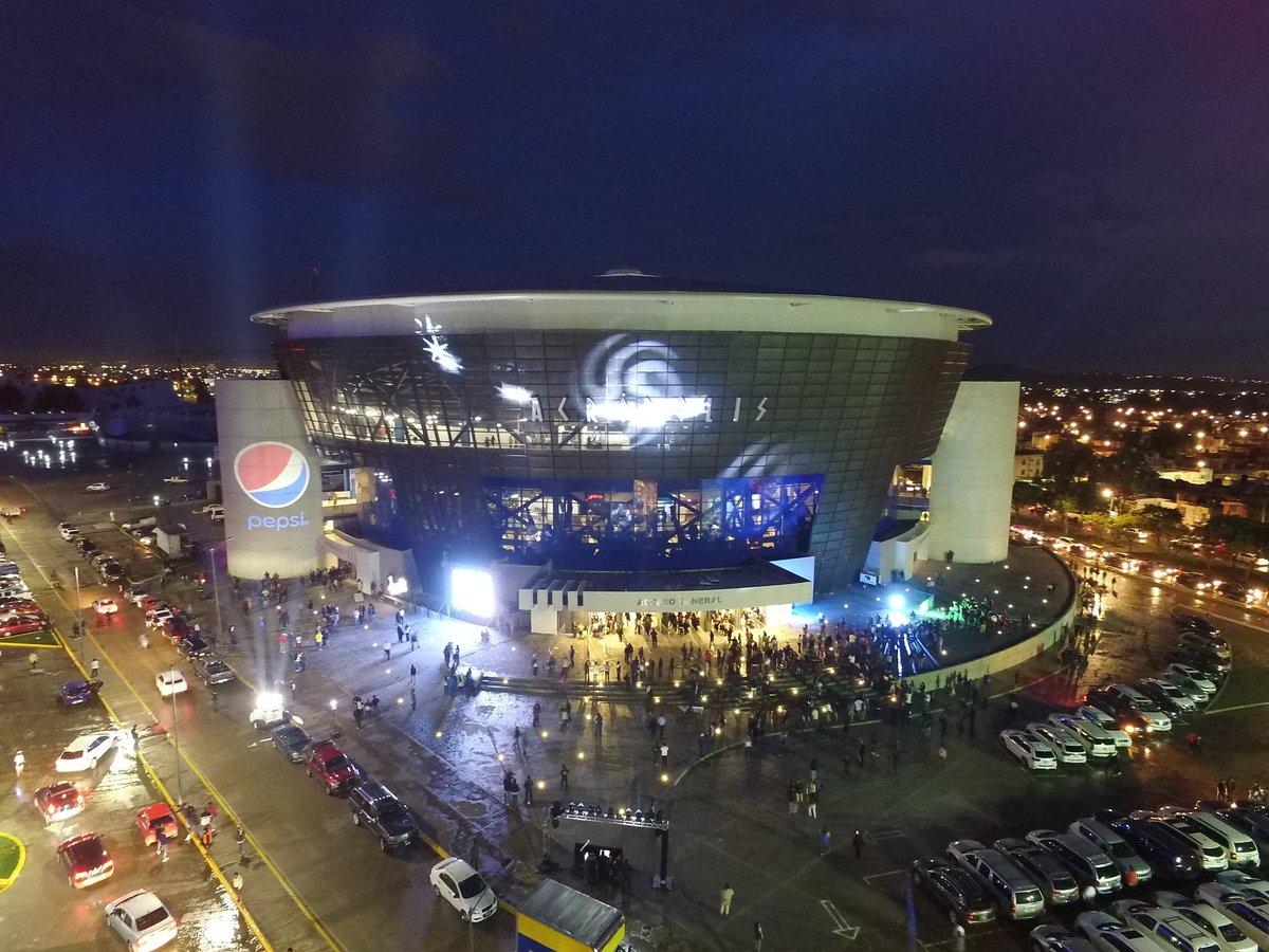 Así @AcropolisPuebla a unos minutos del concierto de @soyjuangabriel https://t.co/zYyZY6D95g