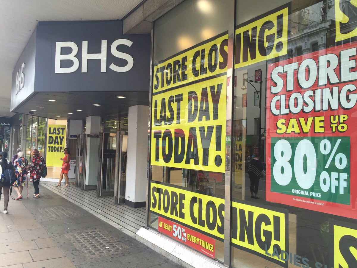 Honouring life of @BHS_UK by seeing its Oxford Street store off on closing day. So sad, even store fixtures for sale https://t.co/z3enn5J3n9