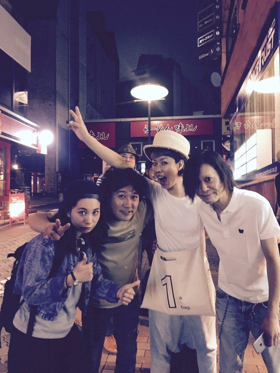 打ち上がっております。  左から私☞ひらいなおきさん@naoki_jackson 山口美代子さん@miyodrums ☞フマジマキさん@makifujii https://t.co/eTIU0fQ86M