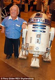 Goodbye #KennyBaker A lifelong loyal friend-I loved his optimism & determination He WAS the droid I was looking for! https://t.co/rd94OEYaHi