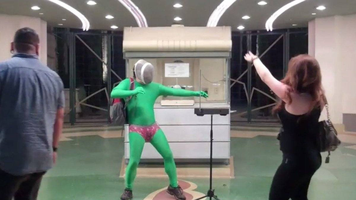 All of this is spectacular! Who can top this super frog theremin man? https://t.co/EfXfyX08wz #EverydaySpectacular https://t.co/vGFn66Uibs