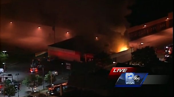 Photo O 39 Reilly Auto Parts Store In Milwaukee On Fire Bjlutz