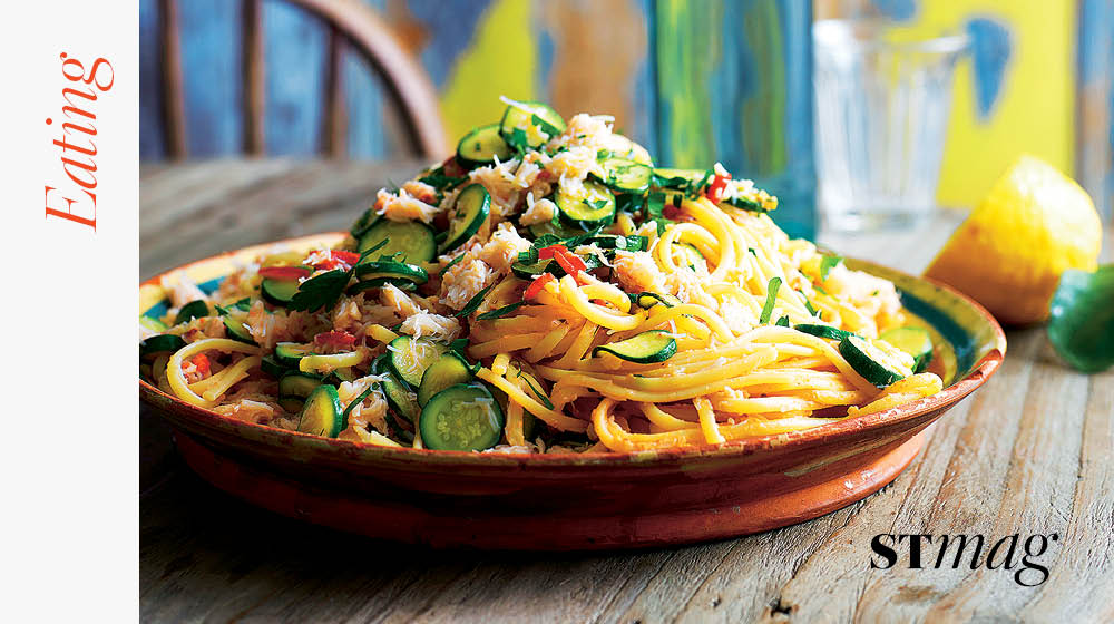 RT @SundayTimesFood: Everyone's crazy about a sharp-dressed crab – @jamieoliver's crab linguine https://t.co/pJNxxZZ70a https://t.co/DD22Ha…