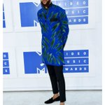 Jidenna representing his Nigerian roots in a traditional Ankara piece. https://t.co/5YWLN8LFgY
