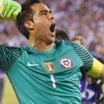 Claudio Bravo no estará en los duelos ante Paraguay y Bolivia https://t.co/YLh6G8XInj https://t.co/JKM6QbYiW3
