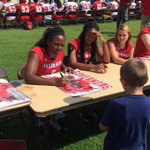 Govs volleyball out signing posters at Fan Day today!! https://t.co/J6AsbGA400