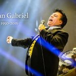 Juan Gabriel murió a los 66 años de edad en Santa Mónica, California, víctima de un infarto. https://t.co/dWcD4gbEtG https://t.co/hxo8GMVQSN