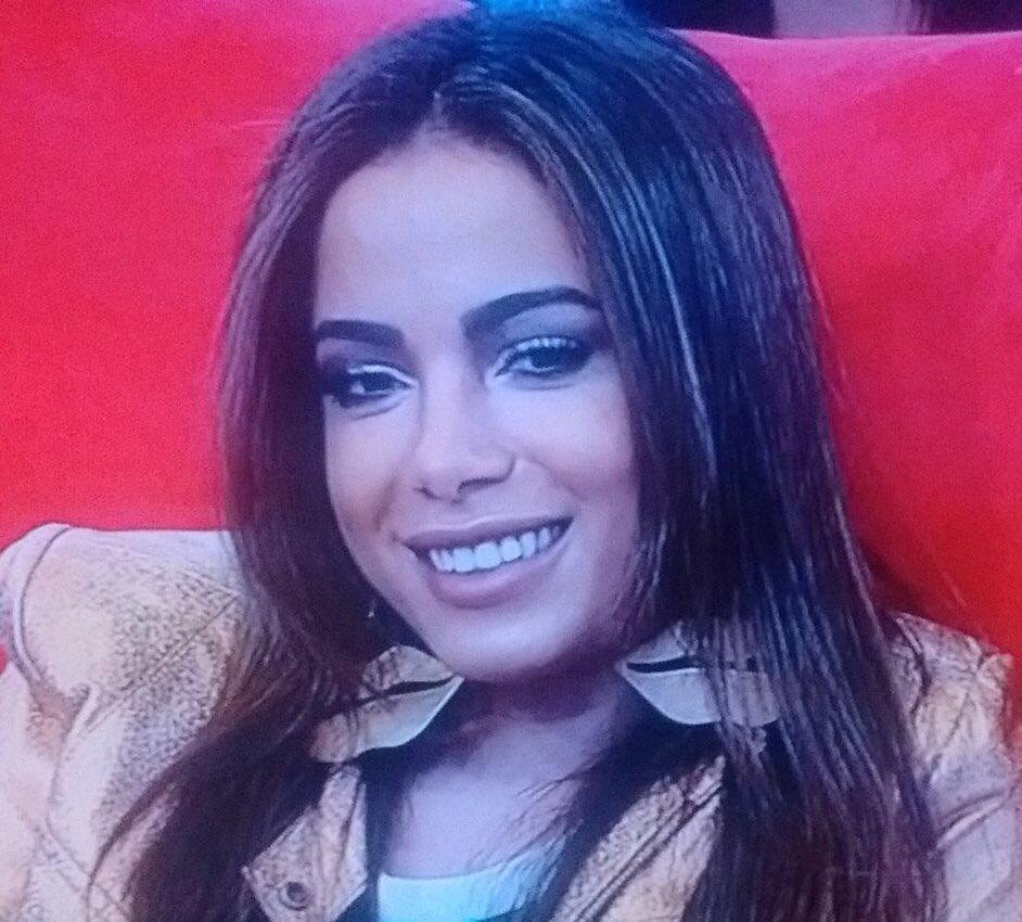 #AnittaNoHoraDoFaro
