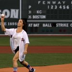 Olympic gymnast Aly Raisman throws out the first pitch at Fenway Park https://t.co/jjKDQUzhEZ https://t.co/8e9addPCRt