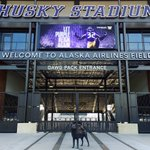 The #GreatestSetting in college football: Alaska Airlines Field at Husky Stadium.   #PurpleReign 🏈 https://t.co/SX7VPSODx9