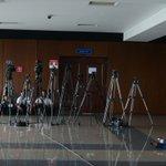 Medios de comunicación siguen en la espera de resolución de primera audiencia del caso Rais y exfiscal Martínez. https://t.co/XSIJnLpp9X