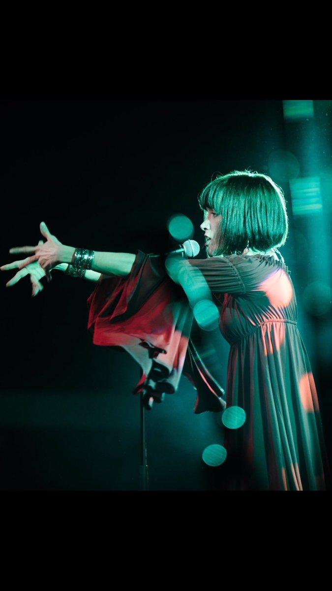 I am coming to the UK! @ButlinsMusic with @BelindaCarlisle #FiveStar #LivingInABox #ModernRomance @TonyDentonPromo https://t.co/AKSe3r7d4v