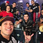 Y ahorita a cantar con @ElPlan @ChecharPlan vamo!!!!! 💂🏼🤘🏼 #volumen4 https://t.co/bQ1Ji7l9Mx