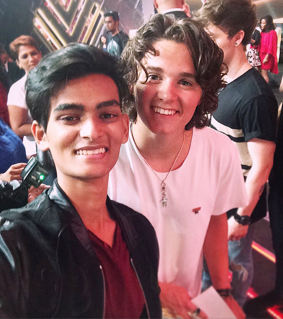 Got 2 meet & watch #TheVamps perform their Sick collab #Beliya