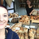 Good morning Bath! We are down at Bath Farmers Market in our little bread pod! #doubletrouble https://t.co/fyTBHWcubA