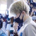 [HQ] 160827 Jimin - Gimpo Airport cr.SniperJIMIN #방탄소년단 #지민 #JIMIN https://t.co/qRI7jRBpRj