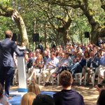 """@FeijooGalicia a @marianorajoy : """"Ti coñeces ben aos galegos"""" #FeijooEnCamiño #Cotobade https://t.co/eGGUsml4RW"""