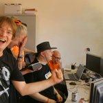 Jubel + X in der @Hafenpinte für @pschiffer: Endlich sturmfreie Bude in NRW ;) Glückwunsch ;) #bpt162 #Wolfenbings https://t.co/9LsckyBTI7