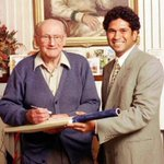 15 years since he has left us but he still remains in our hearts! Happy birthday Sir Don #DonBradman! https://t.co/qC2oHx8A4d