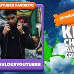 ¡Es tiempo de votar! 😎 #KCAColombia RT si quieres que #PaisaVlogsYoutuber se lleve el codiciado blimp de Tío Nick. https://t.co/y0LJZ0Py3F