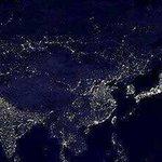 حوالي الساعة التاسعة مساءً  بتوقيت غرينتش  تكون أكبر نسبة من سكان العالم  تغط في النوم (55-60٪) https://t.co/hrOzYlTugm