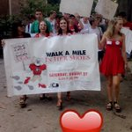 "Tonight #UGA students ""Walk A Mile in Her Shoes"" to bring attention to sexual violence 👠👠 Follow on Insta + Snapchat https://t.co/yluB6xetPQ"