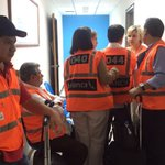 #Venezuela antes de llevarnos en operativo extremo al avión para deportarnos.Foto captada discretamente https://t.co/cdpQCJCxIA