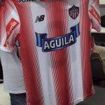 Junior estrenará mañana ante Jaguares su nuevo uniforme. Recordemos que este será temporalmente hasta diciembre 2016 https://t.co/6mKBNBGSL1