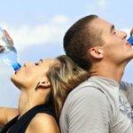¿Qué le pasaría a nuestro cuerpo si bebemos tres litros de agua diariamente durante un mes? https://t.co/QITd9JNpfv https://t.co/jubr8eMqyM