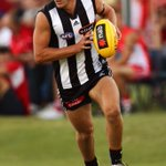 A pre-game congrats to Sam Iles. The former Magpie has retired after a distinguished @AFL/@VFL career #sidebyside https://t.co/fGtZySqZjk
