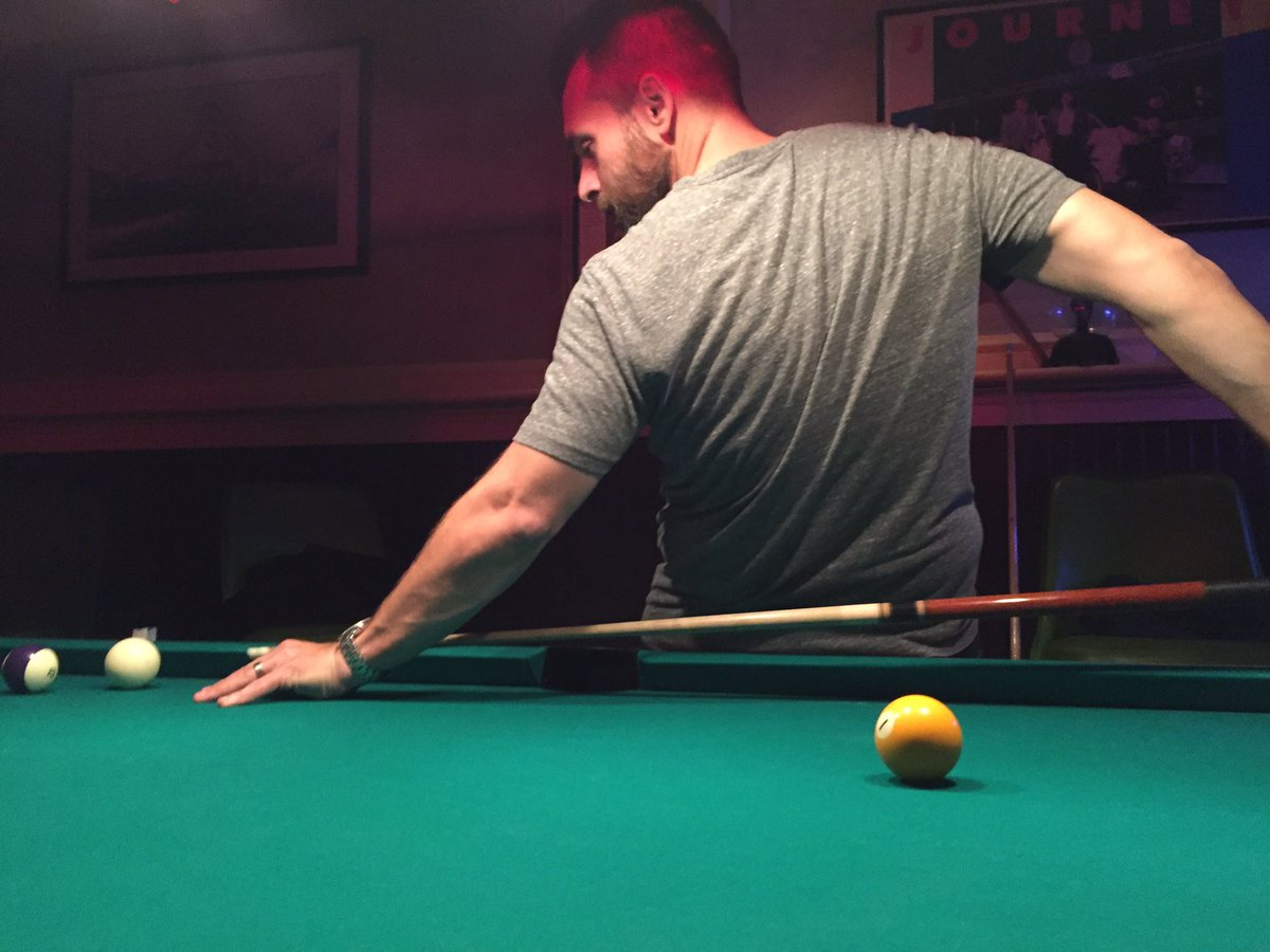 Playing pool with the man, the myth, the legend... https://t.co/9Y313w1vzM