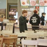 Baekhyun the older one getting lost and chanyeol the younger finding him and buying him ice cream: not a fanfic https://t.co/WRZbM6yT71
