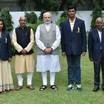 Honouring those who have given their lives to sports…a picture with Dhyan Chand Award winners & MAKA trophy winners. https://t.co/eGgJ8cRGYj