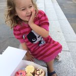 That moment after you go to @StGeorgesMarket and cant decide which #cupcake to have #Belfast https://t.co/3AGfI3S9wM