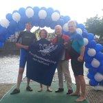 Onze @IngridterWoorst @houtzama & @Hans_Middendorp zwemmen voor @SwimtoFC015. Collega @Ries_Smits steunt ze #swim015 https://t.co/nRXVW7pFFn
