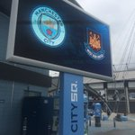 Excuse us @ManCity, but youre not the only club with a new crest... 😜 #MCYWHU https://t.co/IlPDKebBGT