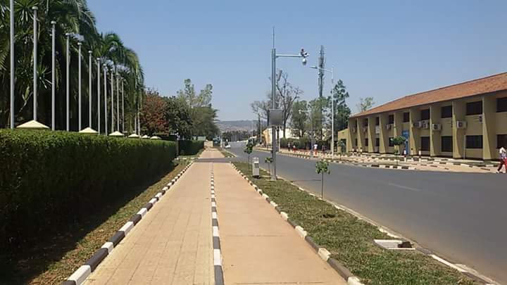 To Governors in Kenya . Next door Rwanda is clean and orderly. Even Boda Boda riders stop work to join the clean up https://t.co/O4g0tFqonR