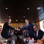 🔴 Sigue la intervención de @marianorajoy tras firmar el pacto con Cs, en directo en https://t.co/zXrXXjxTxg https://t.co/iopn3yGBHG