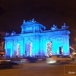 Alguna vez habeis visto la gran #PuertadeAlcalá de #Madrid vestida de azul? https://t.co/pXKJxUm7DJ https://t.co/2xLDwGyfGj