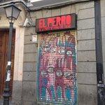 Curioso nombre para un establecimiento... 😂👍🏻 #Madrid #curiosidades #castizosfera #Malasaña #Maravillas https://t.co/O6n4RJQfC6