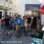 """Kaum 20 Personen beim """"Aufmarsch"""" der Identitären Bewegung in Wien. 16.33h #blockit https://t.co/rJfqQCxNgC"""