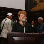 Momento en que Lucía Medina pronuncia mensaje por las Honras Fúnebres Hatuey De Camps. #CDRindeHonoresHatueyDeCamps https://t.co/SSqxIQXMXq