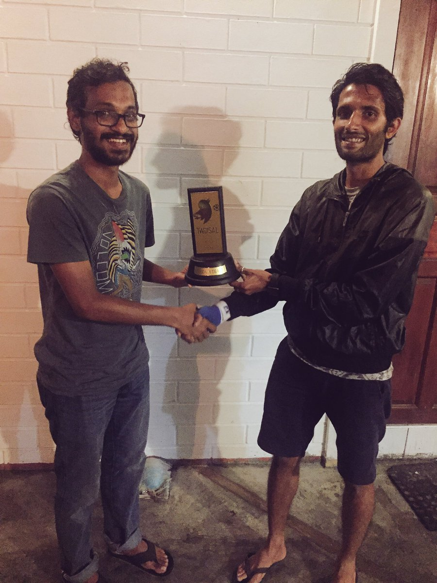 Truly an incredible gesture from @mfayax, giving his Dream Team trophy to @ijilan who he thought deserved it more!