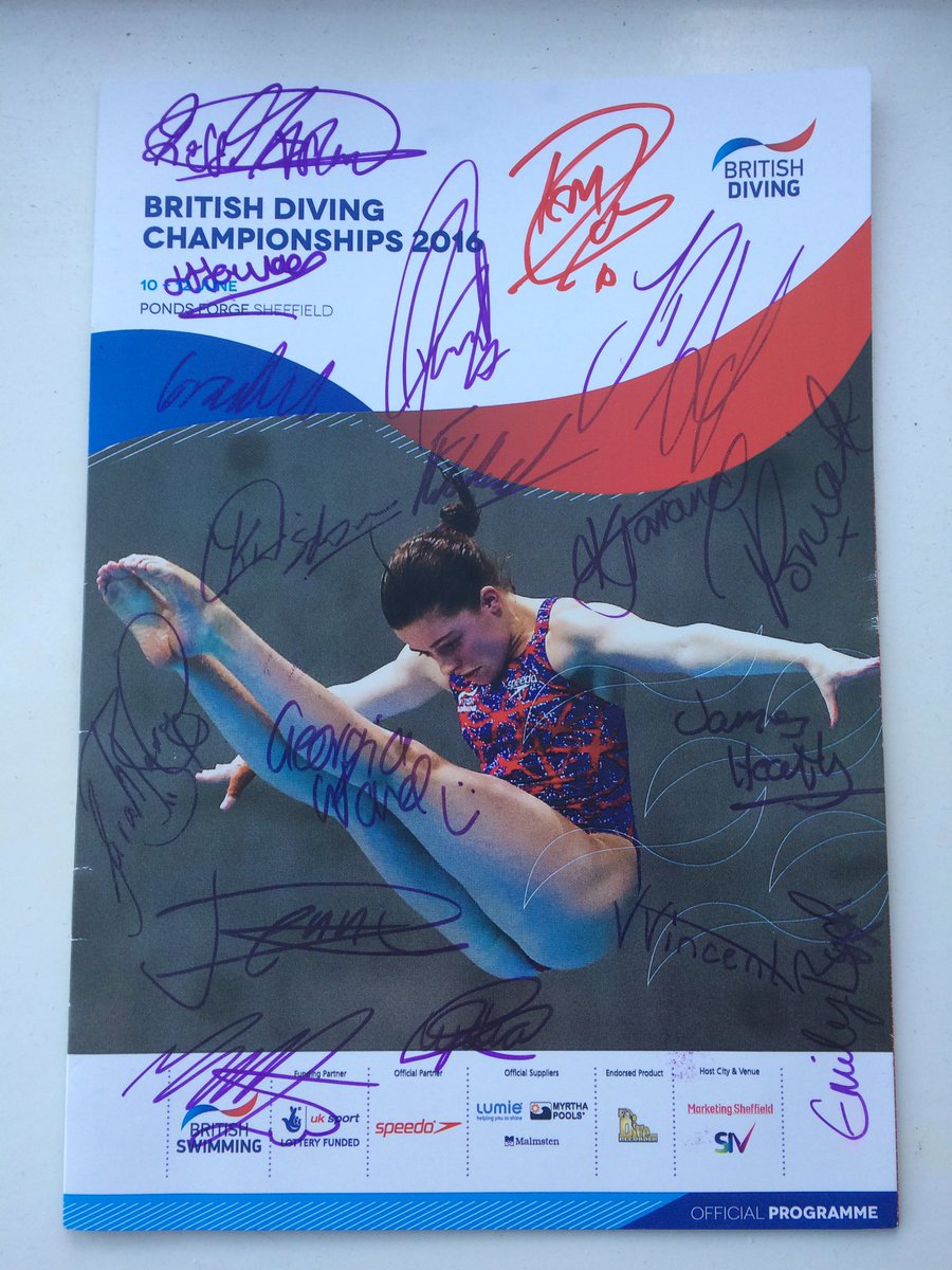 WIN this signed programme! Signed by our #GBR Olympic divers and more!  FOLLOW & RETWEET to enter the #giveaway! https://t.co/e5dmeiFvGw