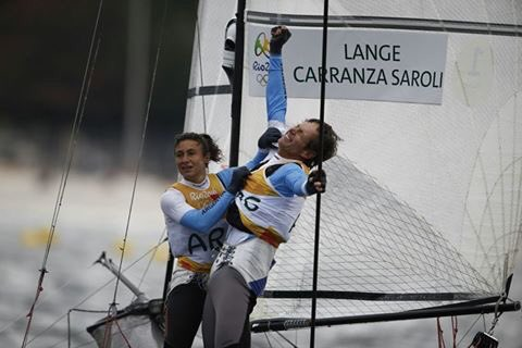 Santiago Lange, 54, beats cancer, loses a lung, and wins a gold medal in THE SAME YEAR.
